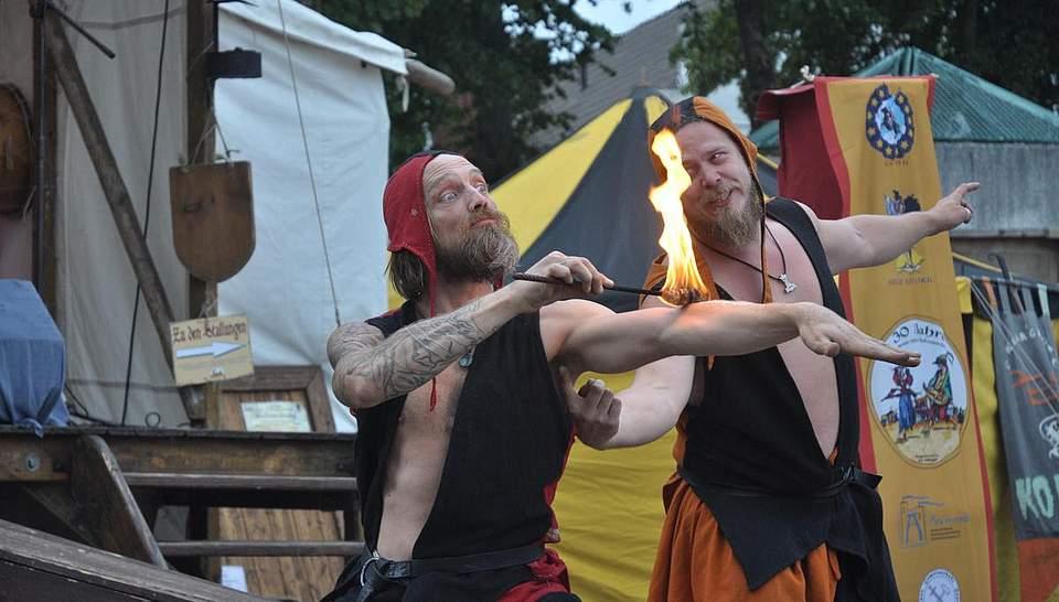 Feuerzauber. Foto: Höfer