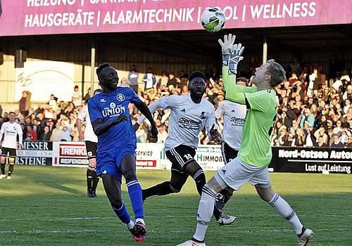 Galerie Aufstiegsrunde zur Fußball-Regionalliga Heider SV - Bremer SV