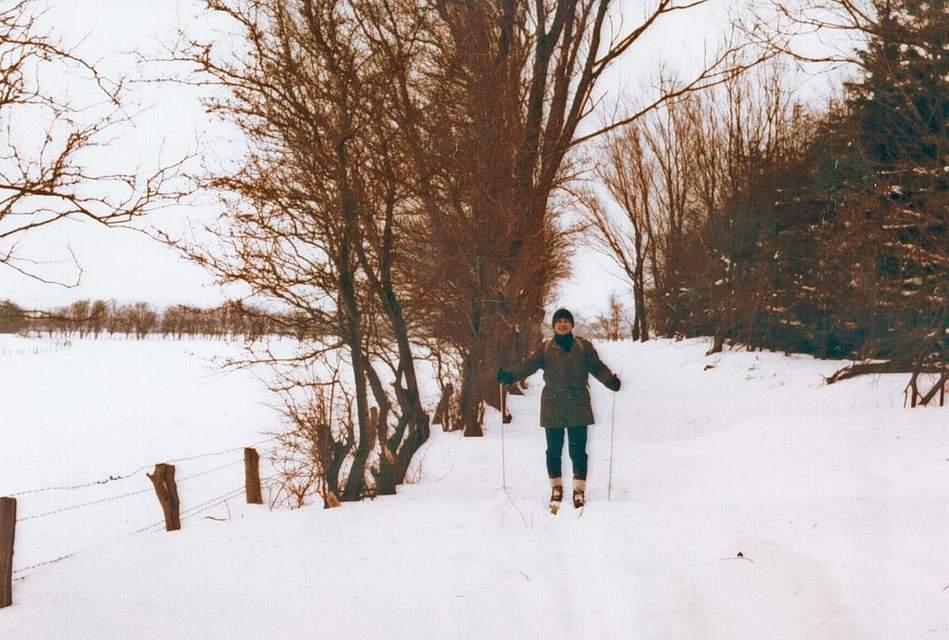 Auch das war die Schneekatastrophe: Erich Klein aus Heide hat Skiläufer fotografiert. Er wohnte damals in Schafstedt.